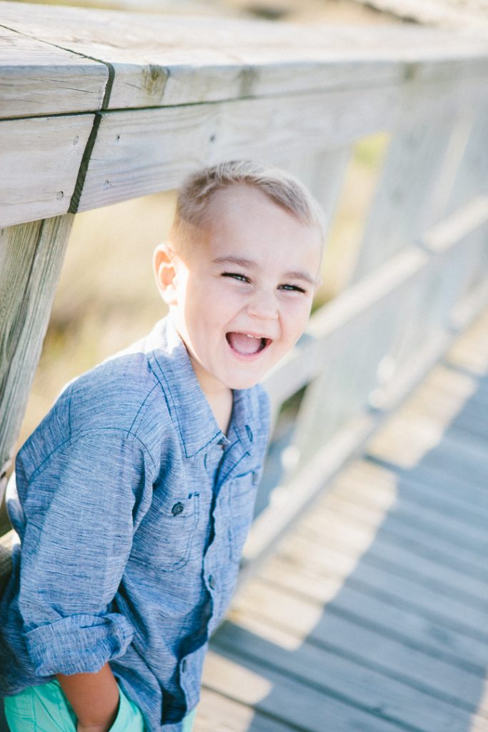 lifestyle family portraits {playing at the park in surf city, north carolina}